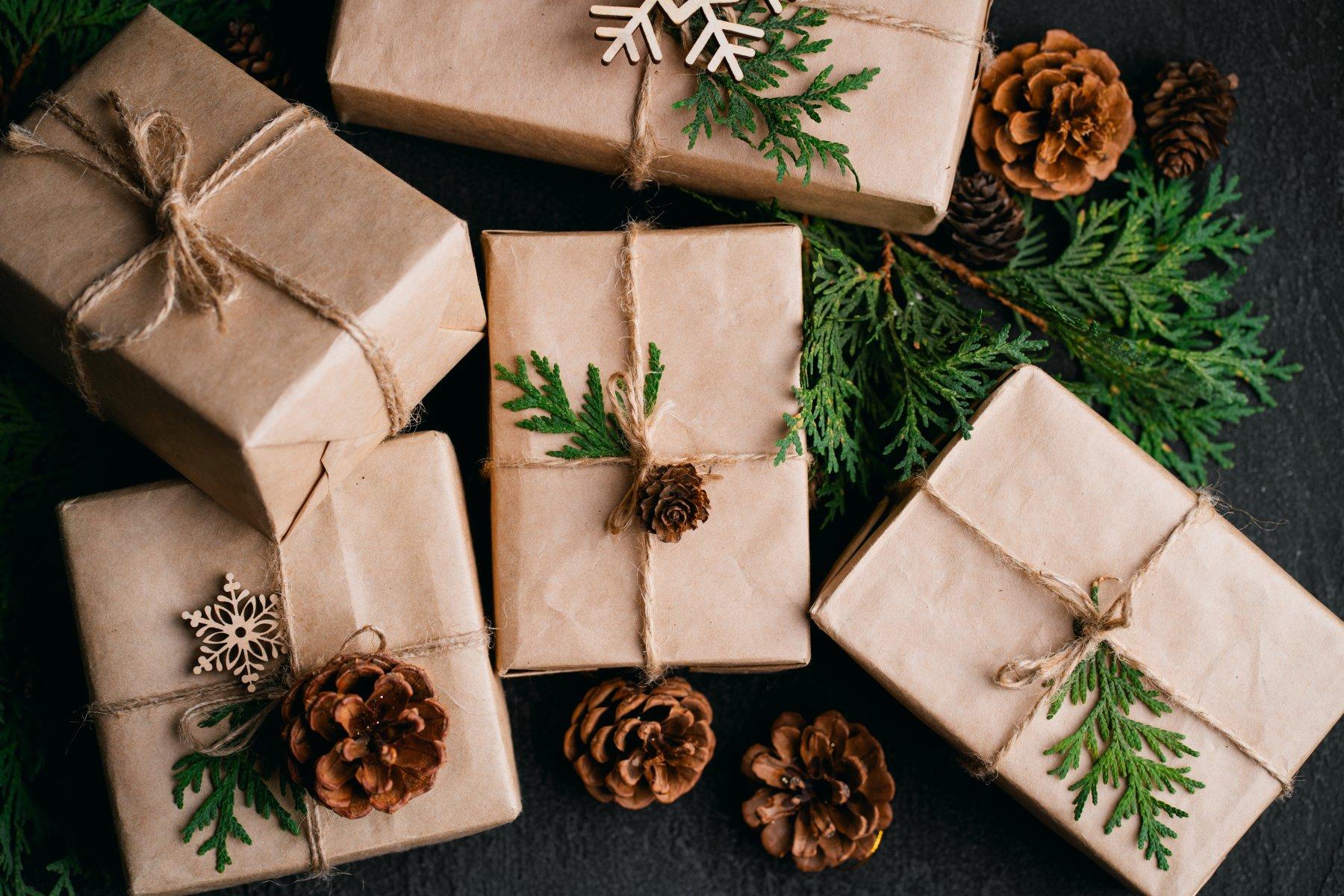brown-bag-gift-wrap